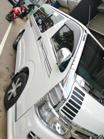 KDH 200 2006 SUPER GL for sale in Kalutara