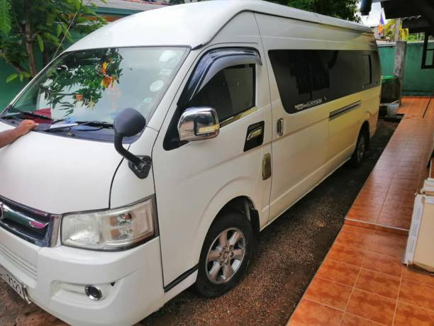 Kdh High Roof Van for Rent in Homagama