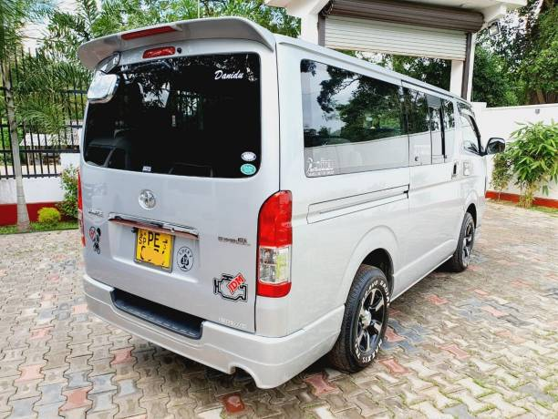 Fuel-diesel Toyota KDH Van 2012 For sale